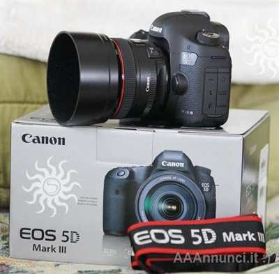 Canon EOS 5D Mark III con obiettivo EF 24-105mm IS