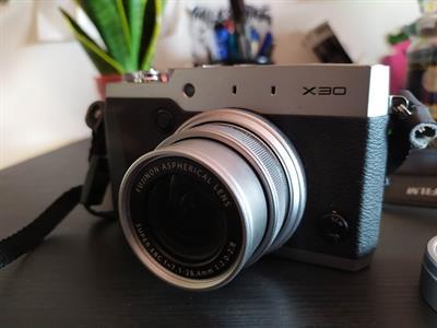 Fujifilm X30 pari al nuovo