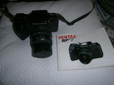 Macchina fotografica Pentax SF 7 con Zoom