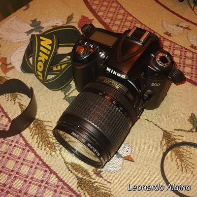 Nikon D90 con 18-105 ed accessori